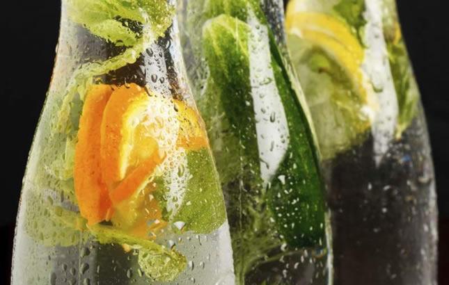 voda s ljekovitim biljem