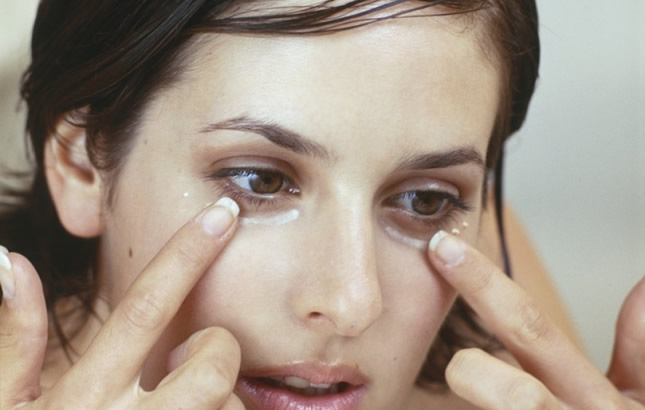soda bikarbona ispod očiju